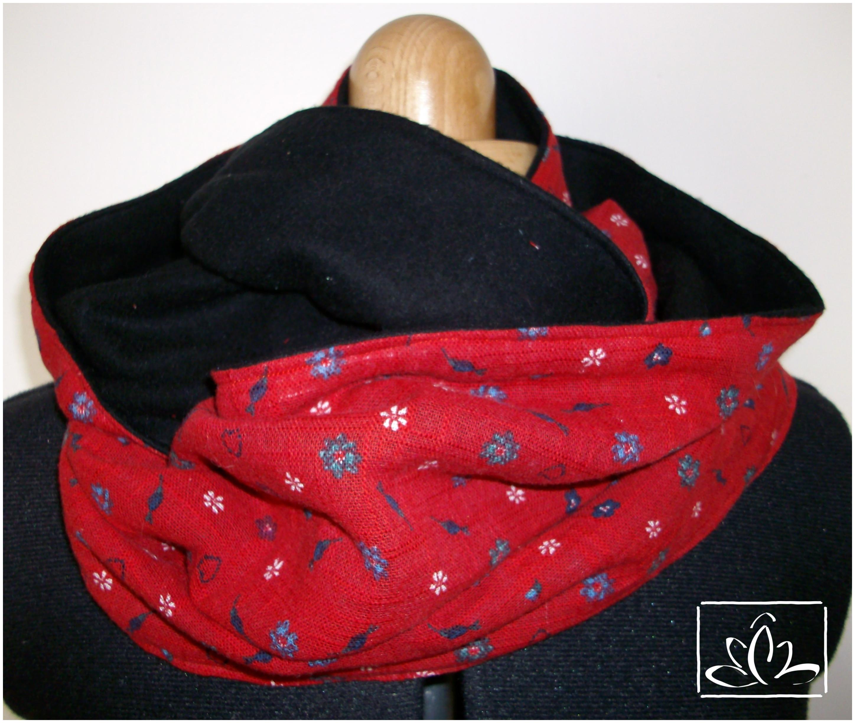 8327c588efeb1 Tour de cou – Snood – rouge à petits motifs et polaire noir – PEDMAJU